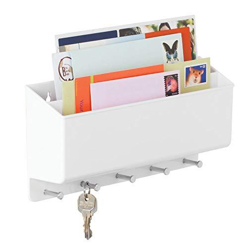mDesign Portalettere e appendichiavi – Bacheca chiavi con 5 ganci e 2 scomparti portariviste – Il modo più pratico per organizzare chiavi, posta e giornali – bianco