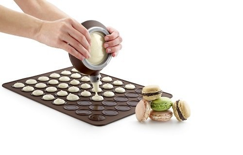 Set Per Macarons: Teglia Tappetino/Stampo in Silicone + 1 Dosatore + 3 Ugelli, Kit per macaroons pasticceria francese by TARGARIAN 7